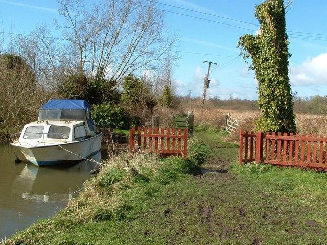 Coldham Hall: footpath across the marsh