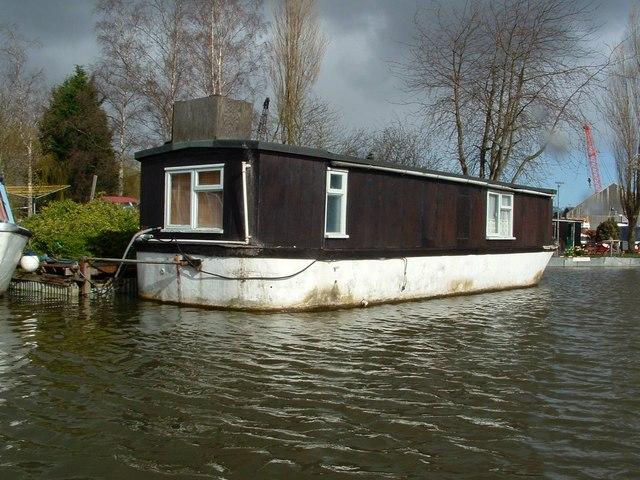 Houseboat, Hobro's Dyke, Brundall