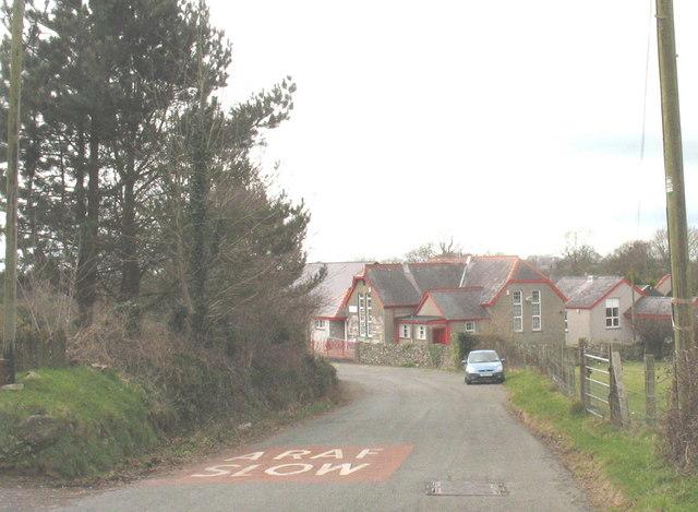 Hill leading down to a bad bend by Felinwnda School