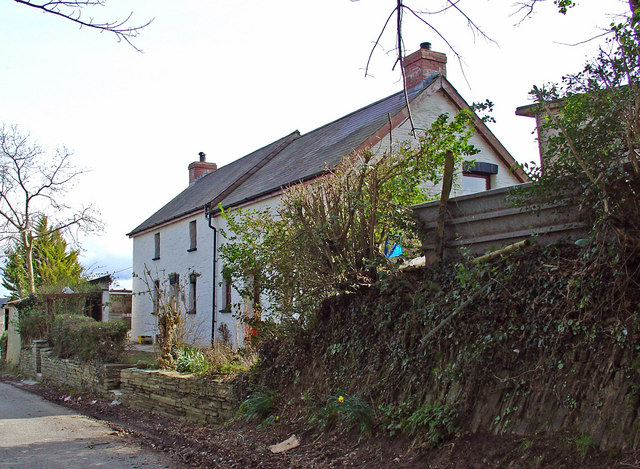 Cefn Cottage, Llantood
