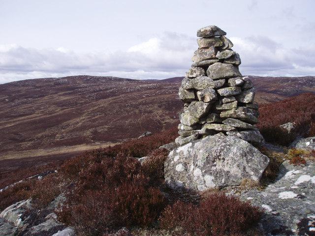 Cairn near Cam Sgriob