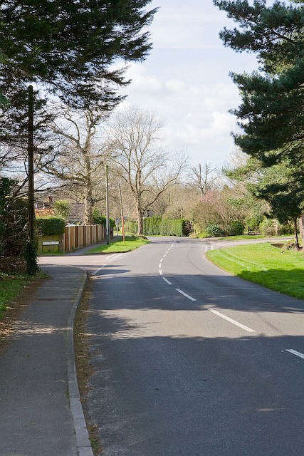 Lower Common Road with Goddard Close on left