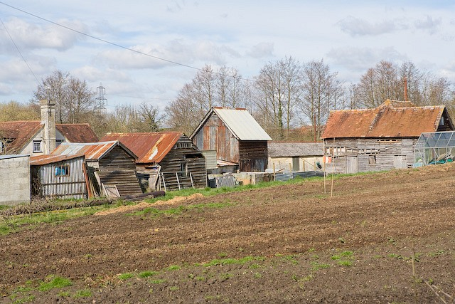 Old farm sheds at Pottery Farm, West Wellow