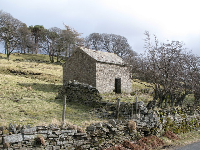 Old stone barn near Dirt Pot
