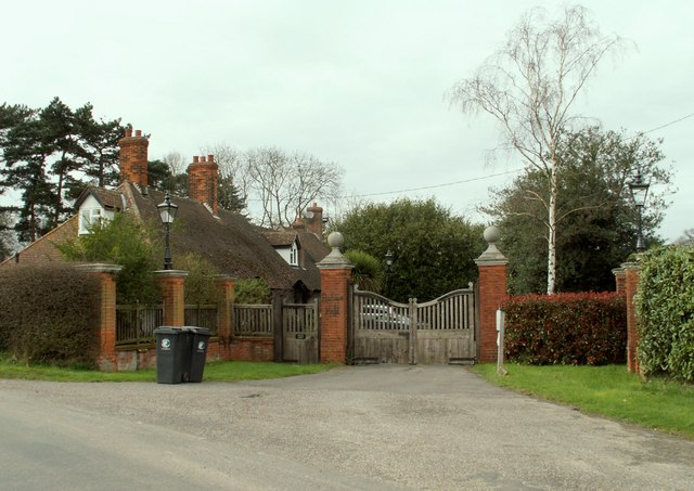 The entrance to Bishop's Hall from New Road