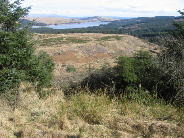 Across the lower slopes of Little Bin to Carron Valley Forest