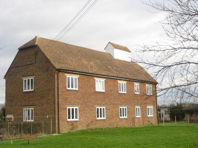 Summerlands Oast, Sandhurst Bridge Farm, Staplehurst Road, Frittenden, Kent