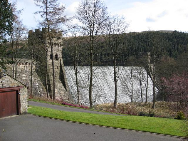 Howden Reservoir - Dam Wall View