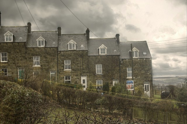 Short terrace of houses near Crag Farm