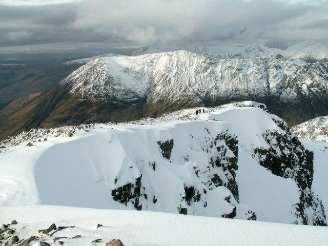 Sob Coire nan Lochan Ridge looking to Aonach Dubh
