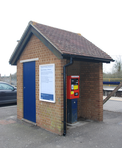 Ticket machine shelter,  Minster, Thanet
