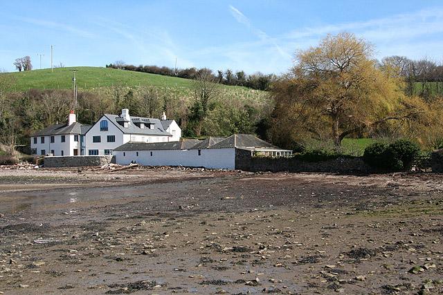 Kingswear: Old Mill Farm from the estuary