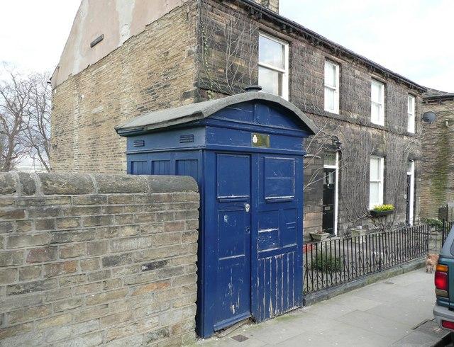 Police telephone box, Northgate, Almondbury
