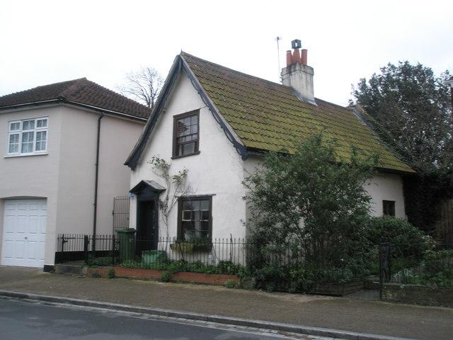 Pretty cottage in Castle Street