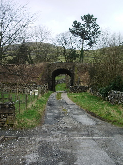 Road to Barrel Sykes Farm