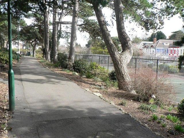 Bournemouth: Knyveton Gardens path