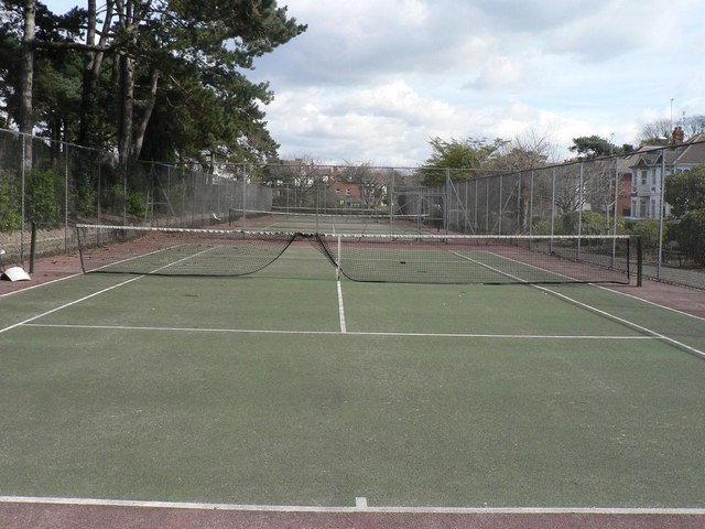 Bournemouth: Knyveton Gardens tennis courts