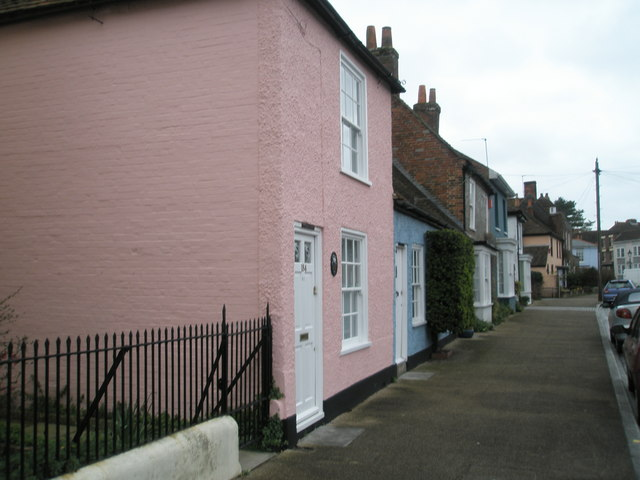 Pastel shades in Castle Street
