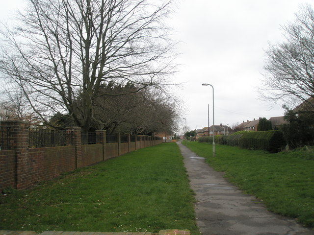 Wicor Path by the cemetery