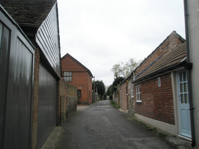 Castle Street end of Wicor Path