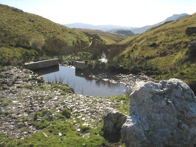 Start of the conduit from below Llynnau Barlwyd to the Llechwedd reservoir