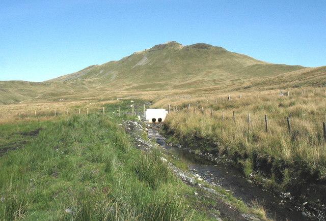 The southern leat section of the Llynnau Barlwyd conduit