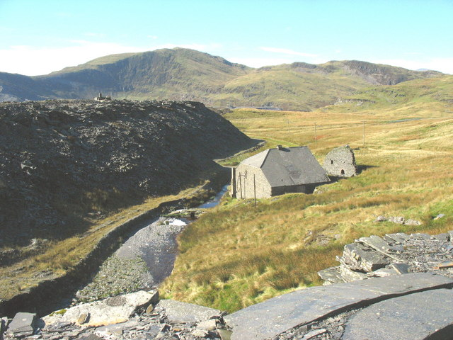 The Llechwedd electricity power house and the spoil tips of Votty-Bowydd from the tramway