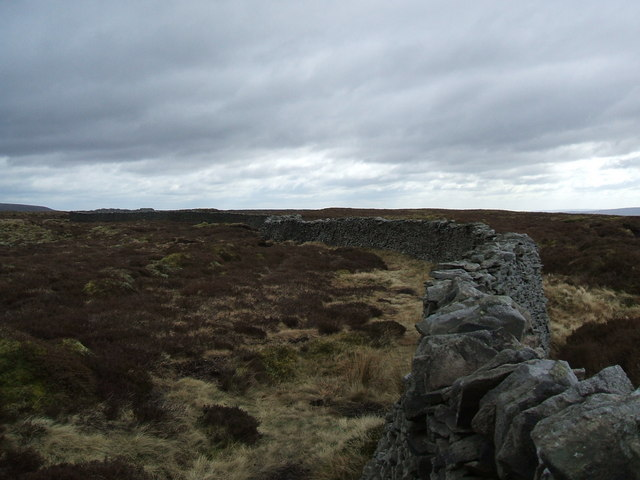 The long wall on Old Cote Moor Top