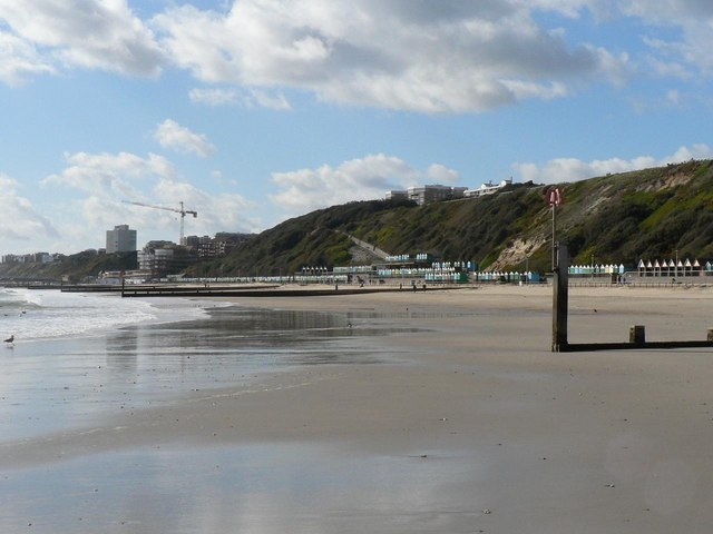 Boscombe: seafront east of the pier