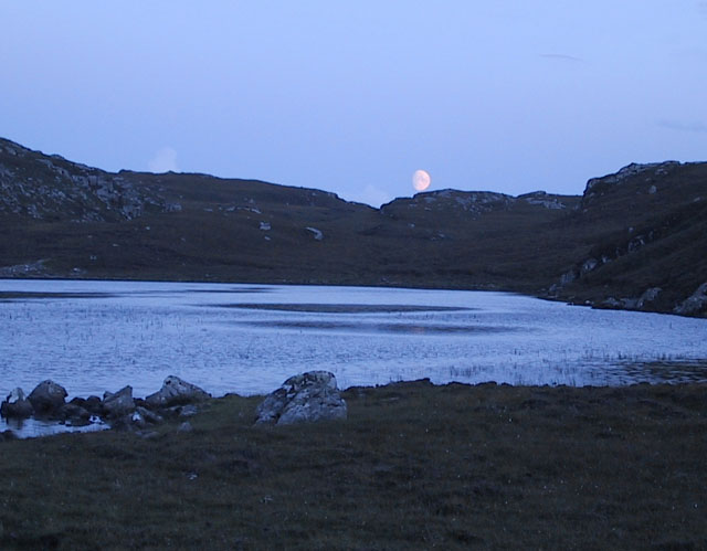 Moon rise over Loch Thonagro
