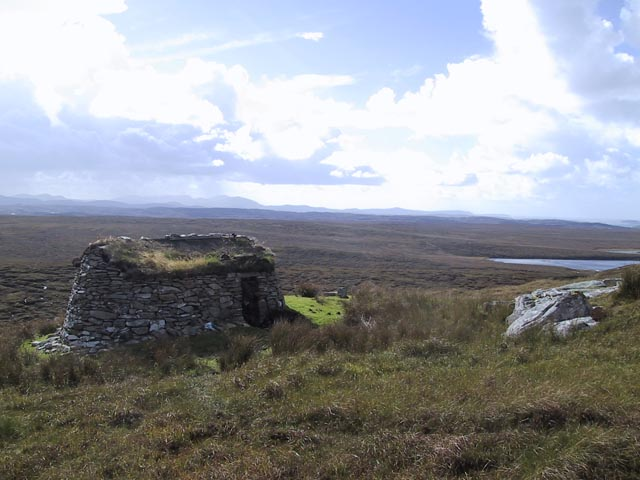 Shieling above Loch Rathacleit
