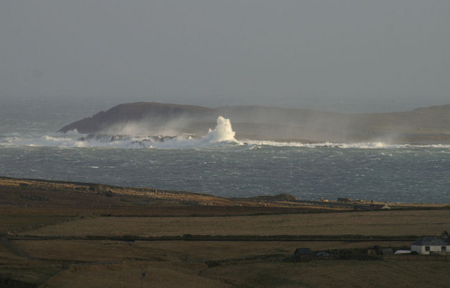 Waves over Balta isle