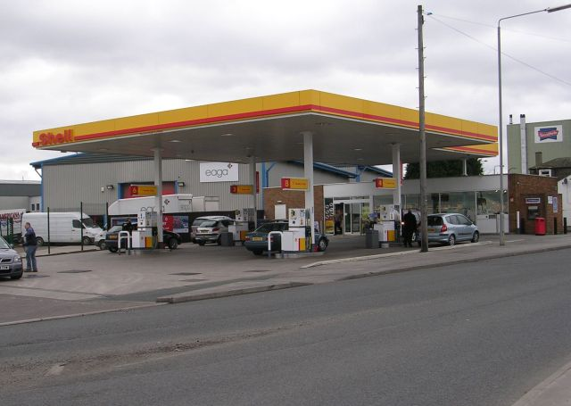 Shell Filling Station - Westgate Hill Street
