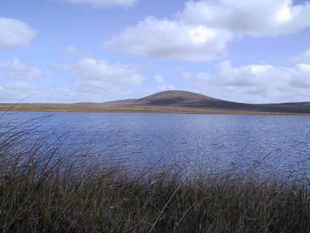 Loch Gainmheach nam Faoileag with Beinn a Sgridhe behind