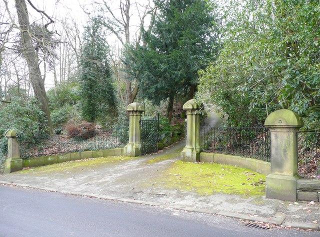 Gateway, Calf Hill Road, Thongsbridge, Netherthong (Holmfirth)