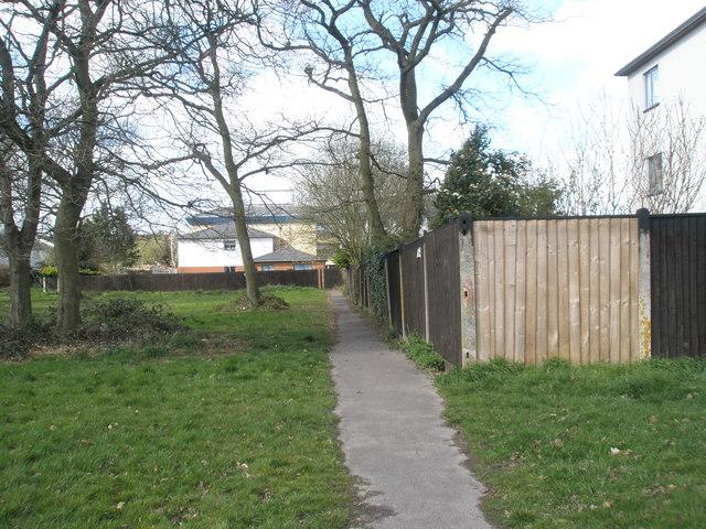 Path to flats off Elizabeth Road