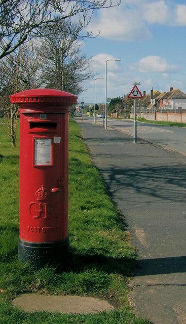Postbox in Sutton Avenue, Seaford