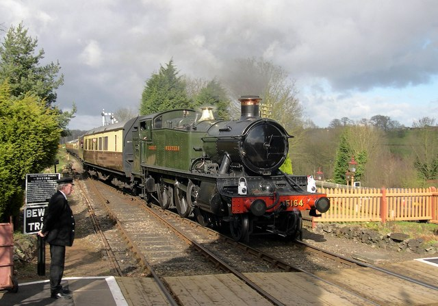 GWR 51xx 5164 at Hampton Loade