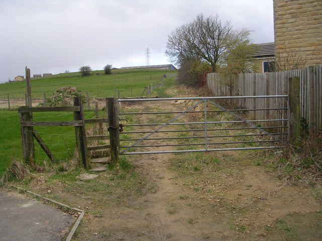Footpath - Bradford Road, Birkenshaw