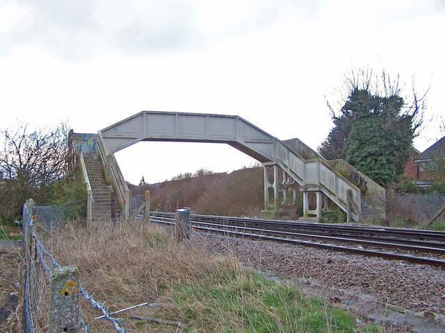 Footbridge to Laxton Way