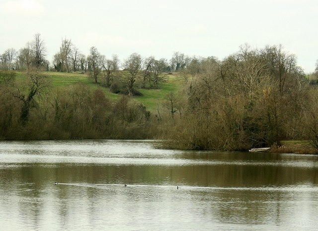 2008 : Orchardleigh Lake waiting for spring