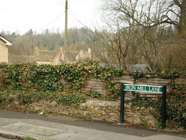 2008 : Iron Mill Lane, Oldford