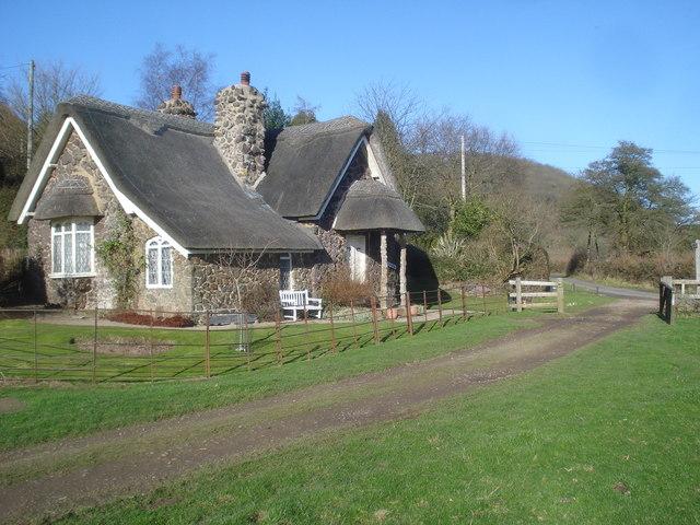 The gatehouse to the Bromesberrow Estate