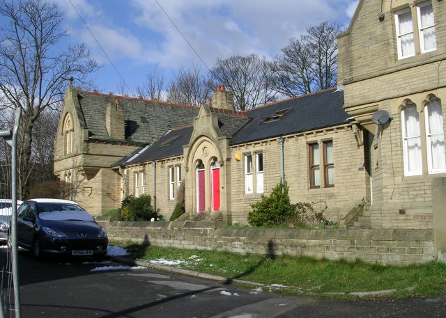 Almshouses - Macturk Grove, Whetley Lane