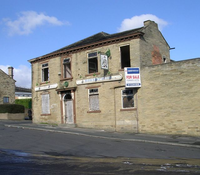 Mowbray Hotel - Lily Street