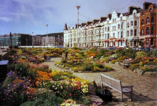 Gardens on Loch Promenade