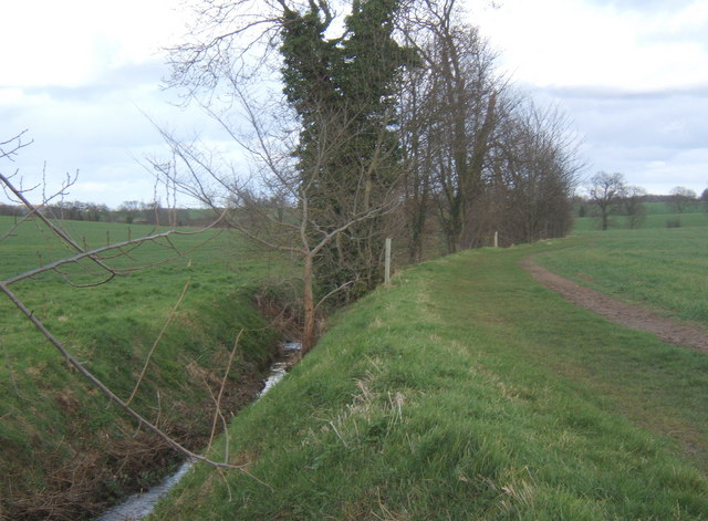 Footpath and stream looking east from Mill Lane