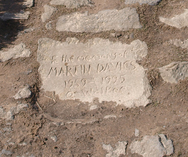 Memorial stone on footpath to Stanage