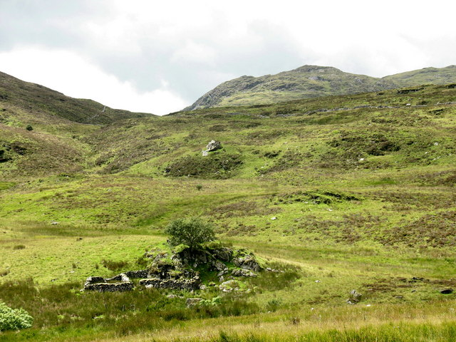 Abandoned sheepfold below the col