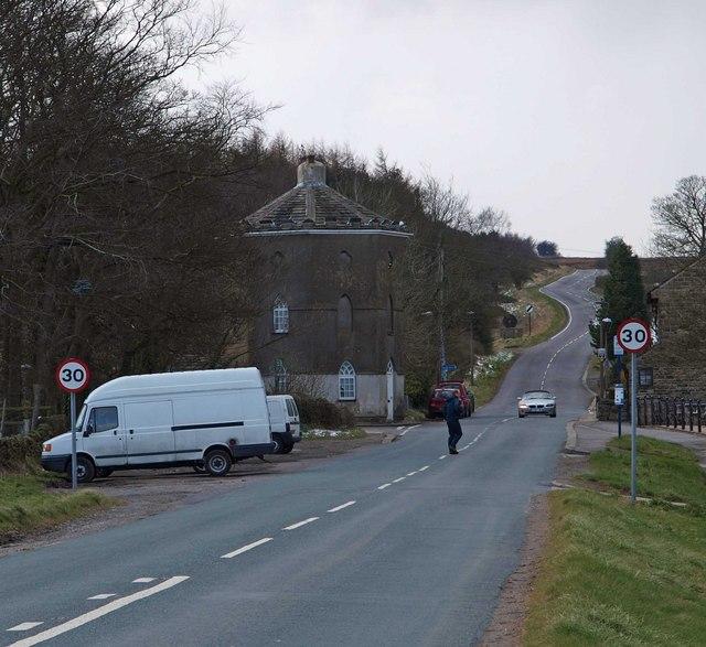 Ringinglow Road